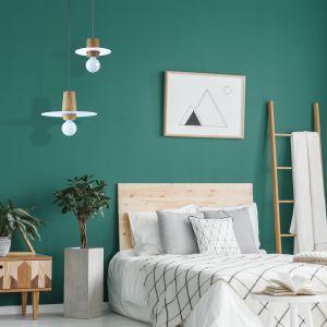 Lampy Disco White o średnicy 20 cm i 30 cm, cena za mniejszy model lampy 739 zł, a większy 985 zł. Fot. Dreizehngrad / Pufa Design
