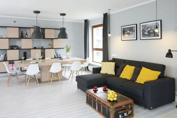 Oświetlenie w salonie: 10 dobrych projektów. Zobacz zdjęcia!
