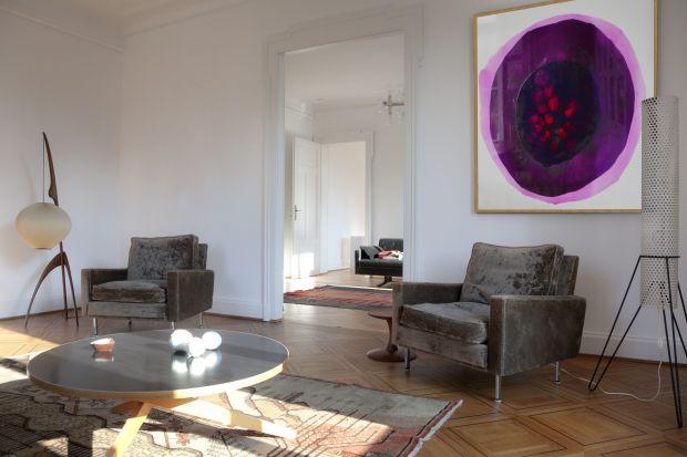 Obrazy z żywicy to idealne rozwiązanie do nowoczesnych wnętrz. Wprowadzą do salonu, sypialni czy jadalni akcent, który nadaprzestrzeni unikatowy charakter.