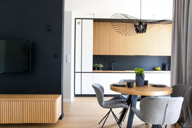 Ścianę na blatem w kuchni można wykończyć na wiele różnych sposobów. My podrzucamy Wam kilka fajnych, ciekawych rozwiązań.<br /><br /><br />