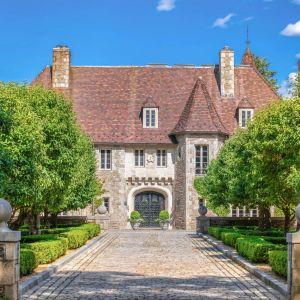 Posiadłość ma ponad 1500 m2. Źródło: www.conciergeauctions.com. Zdjęcia: Compass and Concierge Auctions