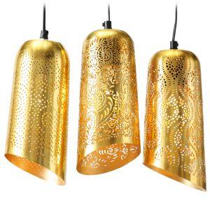 Złoty kolor to zdecydowanie jeden z hitów aranżacyjnych tego sezonu. Wiszące lampy w orientalnym stylu to model Alamy. 539 zł - komplet 3 lamp. Dekoracja Domu, www.dekoracjadomu.pl