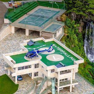 Do kosztów wynajmu tej rezydencji dochodzą specjalne usługi związane chociażby z wynajmem osobistego helikoptera. Fot. Concierge Auctions. Źródło zdjęć: www.toptenrealestatedeals.com