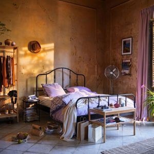 Na zdjęciu komplet pościeli Angslilja, 599,99 zł, IKEA