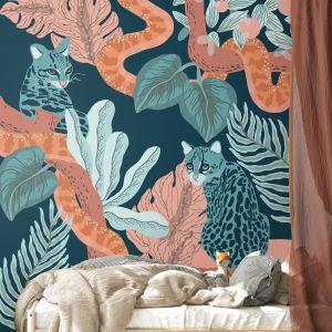 Na zdjęciu tapeta z kolekcji zaprojektowanej przez szwedzkę ilustratorke Fridę Clerhage. Ok 115 zł/m2. Fot. Photowall