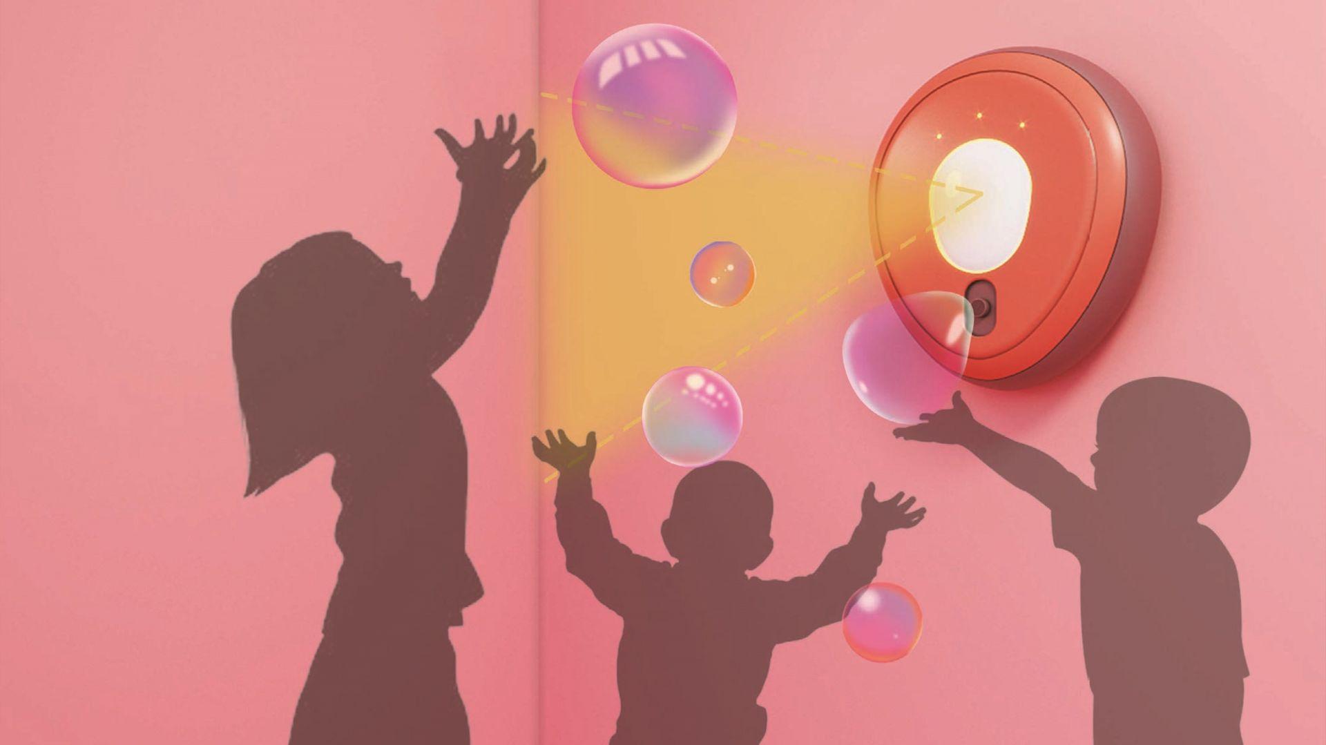 """""""Bubble Bump"""" (Alina Pshenichnikova, Rosja): To urządzenie, które automatycznie dozuje płyn dezynfekujący przypominające bańki mydlane, tak aby zachęcić dzieci do zwiększonej higieny i dezynfekcji na co dzień"""