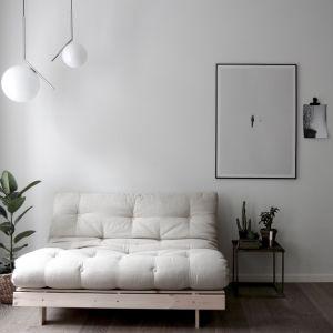 Rozkładana sofa z beżowym lnianym pokryciem Karup Roots Raw. 1429 zł, Bonami.pl