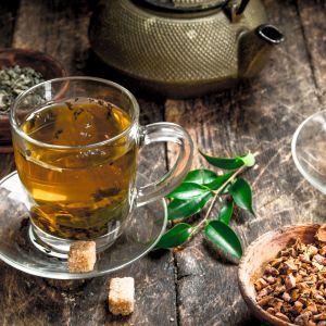 Napar herbaty zawiera ważne dla naszego organizmu polifenole, chroniące komórki przed wolnymi rodnikami oraz zmniejszające ryzyko chorób układu krwionośnego. Fot. English Tea Shop Polska