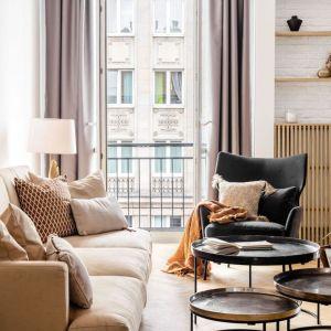 Mieszkanie należy do pary młodych ludzi kochających życie w rytmie wielkiego miasta. Fot. Dziurdzia Projekt
