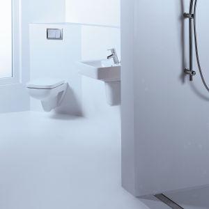 Wykorzystanie całej powierzchni, również tej narożnej, jest szczególnie ważne w przypadku małych łazienek, gdzie każdy skrawek jest na wagę złota. Fot. TECE.