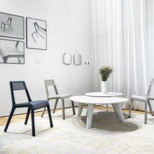Krzesło Ultraleggera projektu Oskara Zięty. Fot. Zięta Studio