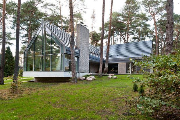 Pokrycie dachowe: poznaj zalety dachówek ceramicznych