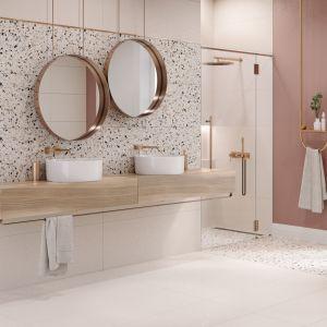 Wielkoformatowe płytki gresowe Hika o charakterystycznym wyglądzie kamienia terazzo, które w wersji mix colors współgra zarówno z modnymi, intensywnymi kolorami granatu i zieleni, jak pastelowym różem. Cena Od 87,30 zł do 112,50 zł Cersanit