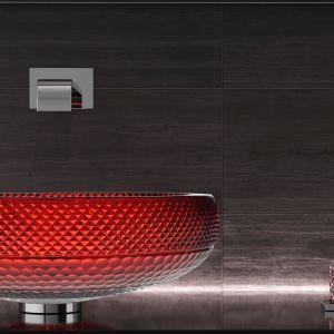 Umywalka nablatowa Ramada wykonana z najczystszego kryształu 24% pb ręcznie fazowana. Dostępna m.in. w kolorze czerwonym. Na zamówienie. Glass Design