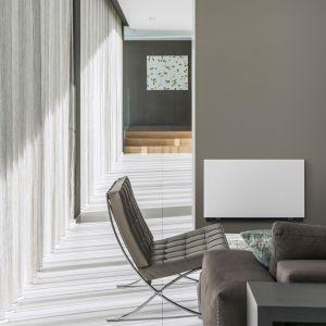 Niva Ventilo standardowo oferowany jest w kolorze białym – RAL 9016. Zastosowanie farby proszkowej o drobnej strukturze pozwala na przemalowanie przedniego panelu klimakonwektora na dowolny kolor, by uzyskać efekt dyskretnego wtopienia się urządzenia w ścianę lub nadania mu kontrastowego koloru. Fot. Vasco