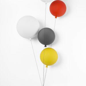 Lampy Memory to projekt Borisa Klimka dla marki Brokis. Ceny: 874 zł (kinkiet 25 cm), 1317 zł (kinkiet 30 cm), 852 zł (wersja wisząca, 25 cm), 1643 zł (wersja wisząca 40 cm) - ceny w sklepie Czerwona Maszyna. Fot. Brokis