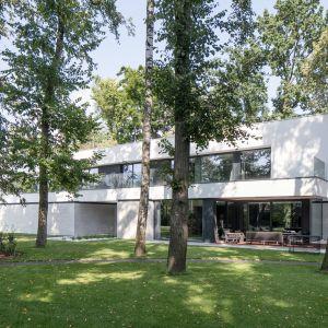 RE: LONG HOUSE to realizacja architekta Marcina Tomaszewskiego, doceniona przez międzynarodowe jury w tym konkursie w kategorii Architecture. Projekt i zdjęcia: REFORM Architekt