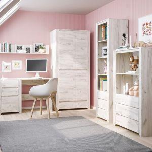 Kolekcja mebli Angel marki Meble Wójcik. Dekor DąWhite Craft inspirowany bielonym drewnem sprawdzi się w pokoju dziewczynki i chłopca. Szafa - 869 zł, komoda - 499 zł, biurko - 509 zł. Fot. Meble Wójcik