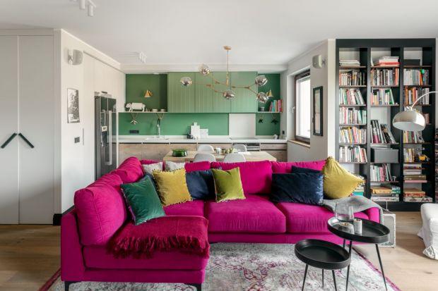 Kolor w salonie to świetny pomyły. Piękne wygląda i pięknie ożywi wnętrza. Nawet w dodatkach! Zobaczcie kilka ciekawych - bardziej lub mniej kolorowych salonów.