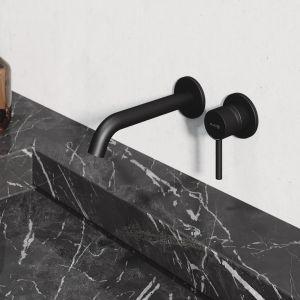 Wersja czarny mat urzeka aksamitną powierzchnią, która daleka jest od chłodnej sterylności. Cena: 822,60 zł (bateria ścienna umywalkowa). Fot. Kludi