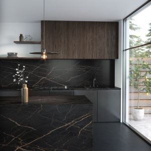 Wzór Laurent, zainspirowany został naturalnym kamieniem Port Laurent, wyróżniającym się swą złożonością i urodą. Fot. Dekton wzór Laurent Cosentino