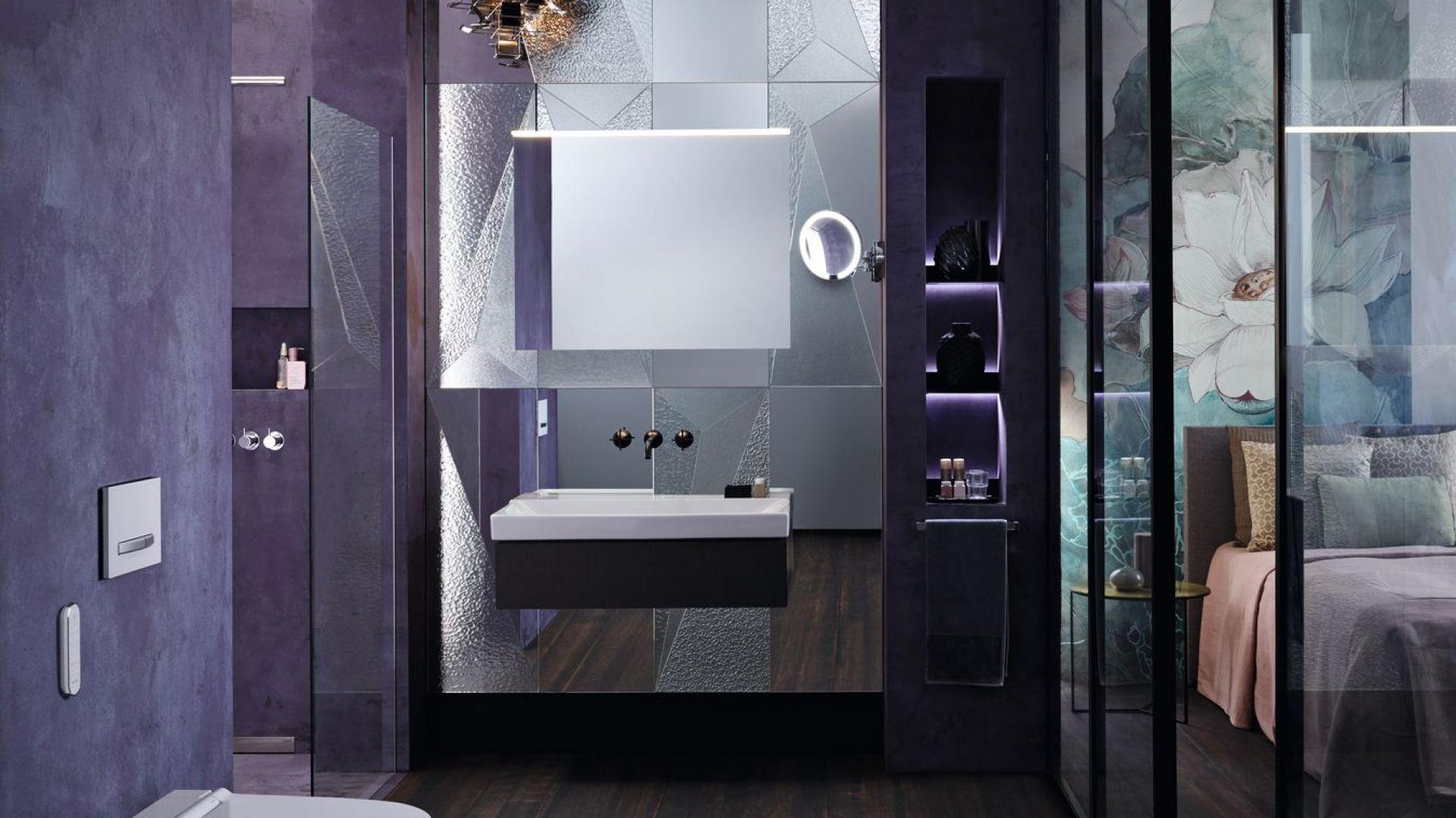 Ogromną zaletą elektronicznych systemów sterowania do WC i pisuarów Geberit jest ich spójność wzornicza.Fot. Geberit AquaClean