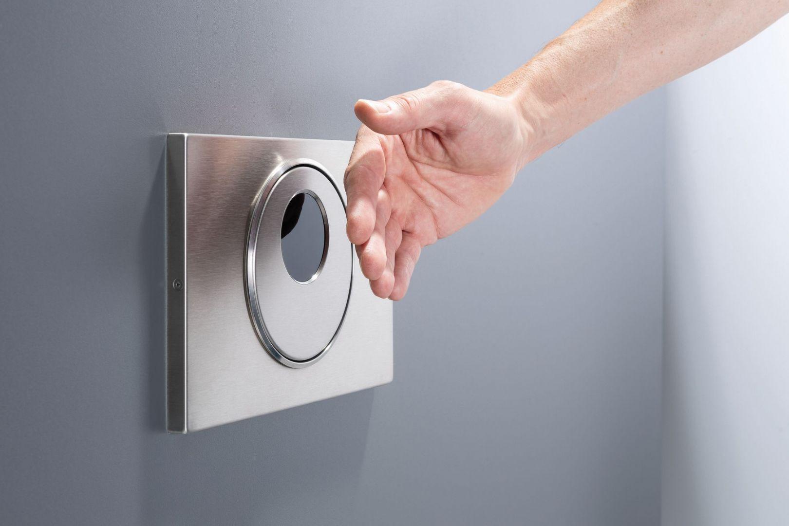 Nowoczesne, elektroniczne przyciski uruchamiające do WC Geberit Sigma10 i Sigma80 podniosą komfort i bezpieczeństwo każdej toalety. Fot. Geberit Sigma
