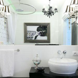 W sklepach znajdziemy umywalki, baterie, wanny i dodatki, dzięki którym łazienka w klasycznym angielskim stylu stanie się częścią naszego domu. Projekt Małgorzata Galewska. Fot. Bartosz Jarosz