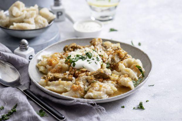 Podhale to jeden z najbardziej malowniczych regionów Polski. Kulinarne tradycje krainy u podnóża Tatr są prawdziwą pochwałą prostoty i lokalnych wyrobów. Czy słyszeliście o najbardziej charakterystycznych potrawach tej górzystej krainy?