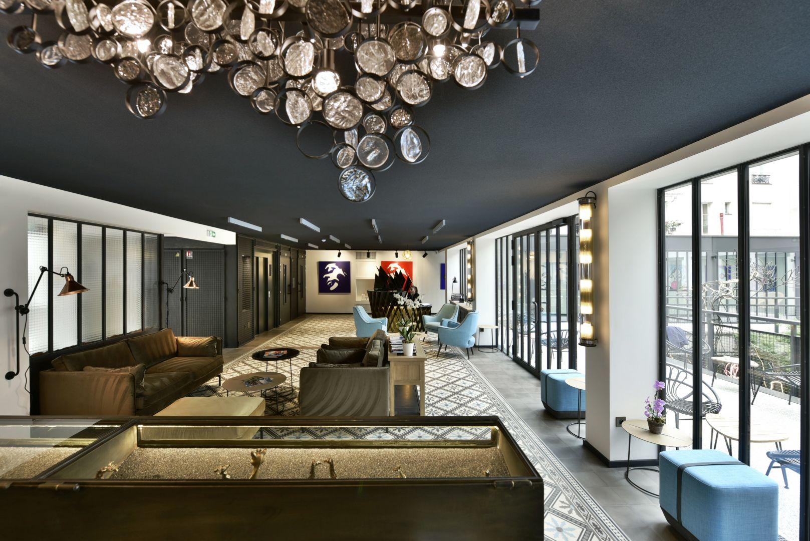 Hotel des deux Girafes i restauracja Bellay, Paryż