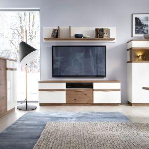 Kolekcja Como marki Taranko to połączenie dębu como i frontów w białym połysku. Fot. Meble Taranko