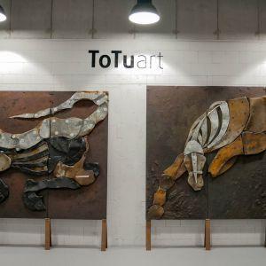 """Jeszcze do 23 sierpnia w Centrum Praskim Koneser będzie trwać """"Laboratorium Rzeźby"""" – jedna z największych wystaw tego sezonu w Warszawie. Na 1400 m2 industrialnej przestrzeni zgromadzono ponad 200 prac dwudziestu artystów. Fot. Galeria Totuart"""