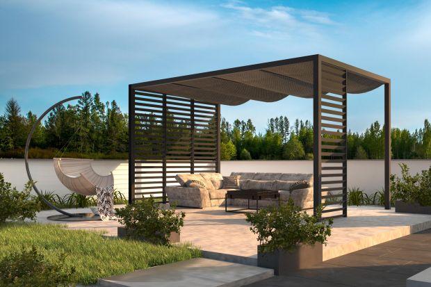 By w pełni korzystać z prywatnych, ogrodowych przestrzeni warto poświęcić chwilę na zaplanowanie aranżacji, które będą cieszyć oko i zapewnią maksimum komfortu. Jak stworzyć wymarzoną strefę relaksu? Przedstawiamy trzy proste kroki.