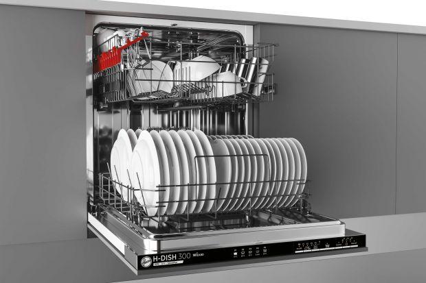 Projektując nową kuchnię lub planując jej remont warto zadbać o wybór dobrego i sprawdzonego sprzętu AGD, w tym, tak przydatnej w codziennych pracach kuchennych, zmywarki do naczyń. Kupione przez nas urządzenie ma nam posłużyć długie lata, za