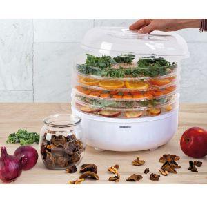 Przydatnym gadżetem dla pani lub pana domu będzie także suszarka do żywności (cena 89 zł) z pięcioma poziomami, pozwalająca na przygotowanie smacznych, zdrowych i naturalnych przetworów z warzyw, owoców, ziół oraz herbaty.