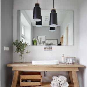 Łazienka urządzona w stylu skandynawskim. Projekt: SHOKO design