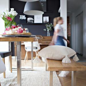 W całym projekcie często wykorzystywano ponadczasowy materiał, jakim jest drewno. Projekt: SHOKO design