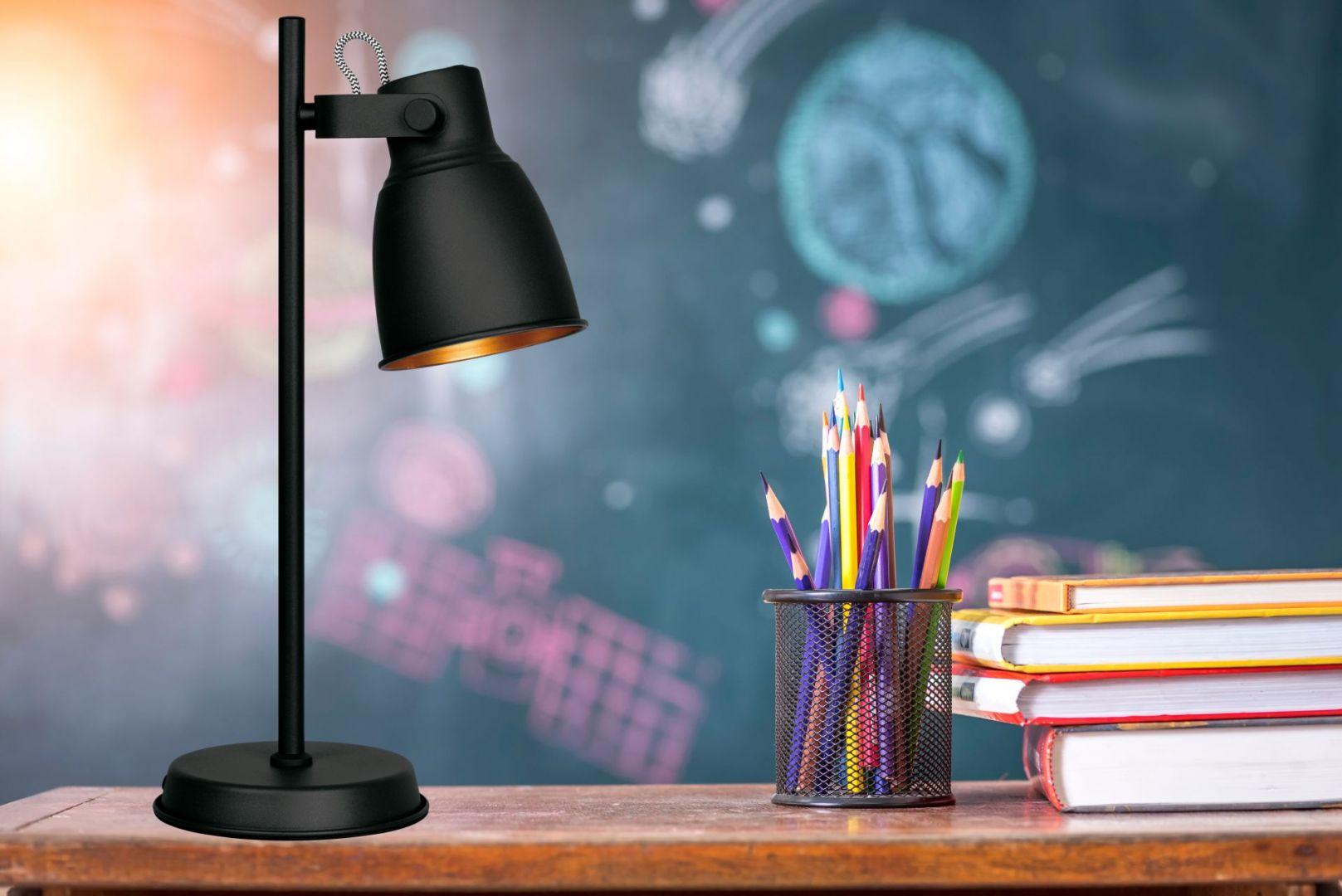 Minimalistyczna lampka Loly Black. Fot. Active Jet
