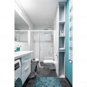Łazienka jest mała, ale wygodna. Projekt i zdjęcia: pracownia KODO Projekty i Realizacje Wnętrz