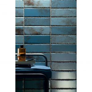 Płytki ścienne z kolekcji Curio w kolorze blue. Cena: 89,91 zł/m2. Fot. Ceramiki Tubądzin