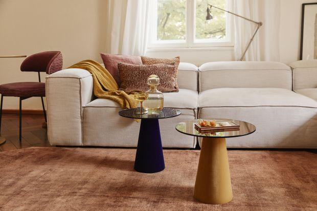 Drewniane akcenty, miękkie, przyjemne w dotyku tekstylia w kolorach szafranu,ochry, marsali i sjeny sprawią, że nasze wnętrze będzie pełne ciepła i światła. Warto przygotować się na jesień już dziś.<br /><br />