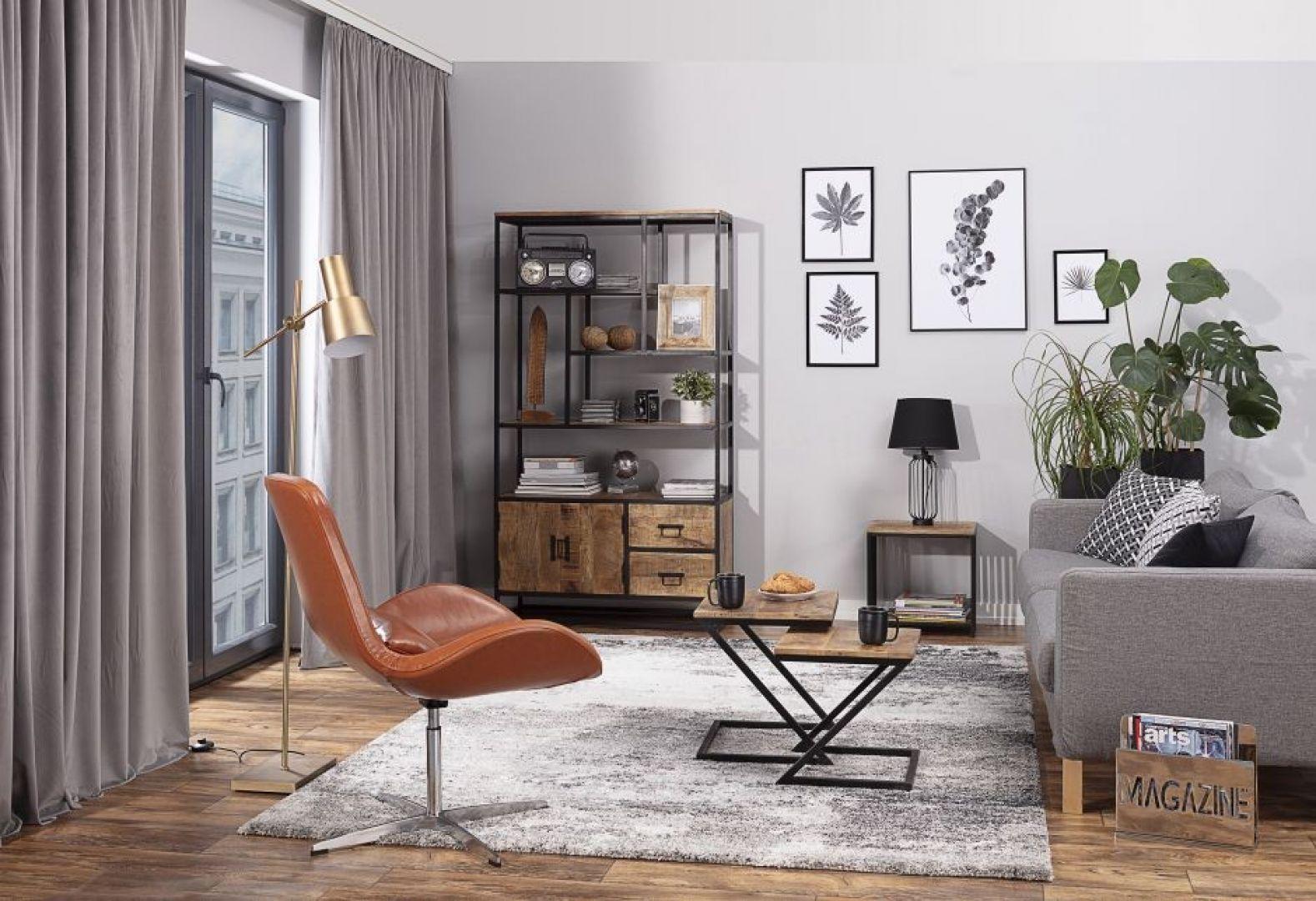 Masywne meble obciążają pomieszczenie. Dlatego w małym wnętrzu postaw na te nieco bardziej nowoczesne, o lekkiej konstrukcji. Fot. Dekoria