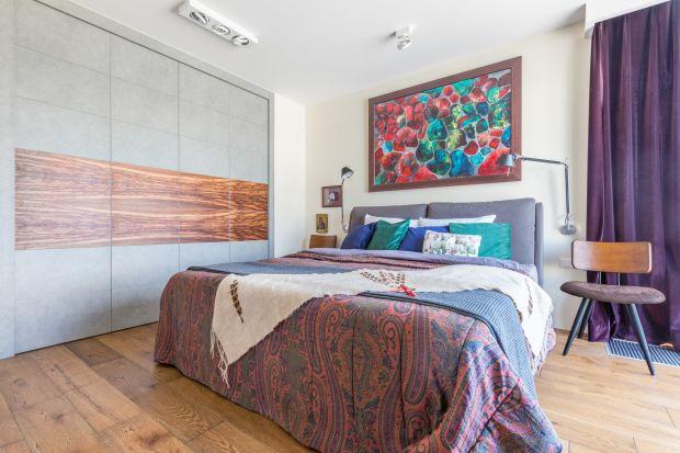 W ostatnich latach słyszeliśmy wiele superlatyw w odniesieniu do minimalizmu – zarówno podczas tworzenia aranżacji domu, jak i wyboru stylu życia. A jednak coraz częściej, podczas urządzania swoich mieszkań, zwracamy się w przeciwnym kierunku