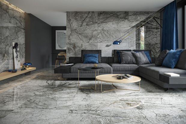 """Ściany w salonie nie muszą być nudne. Jest wiele materiałów, którymi zastąpimy tradycyjne farby. Jednak by uzyskać efekt """"wow!"""", warto sięgnąć po płytki ceramiczne."""