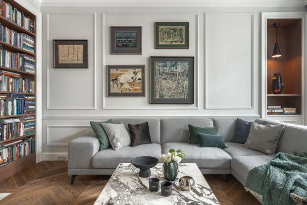 Wykończenie ścian w salonie szarym kolorem to świetny pomysł. Jakie zatem rozwiązanie wybrać? Zobaczcie piękne pomysły na szare ściany w salonie z polskich domów i mieszkań.