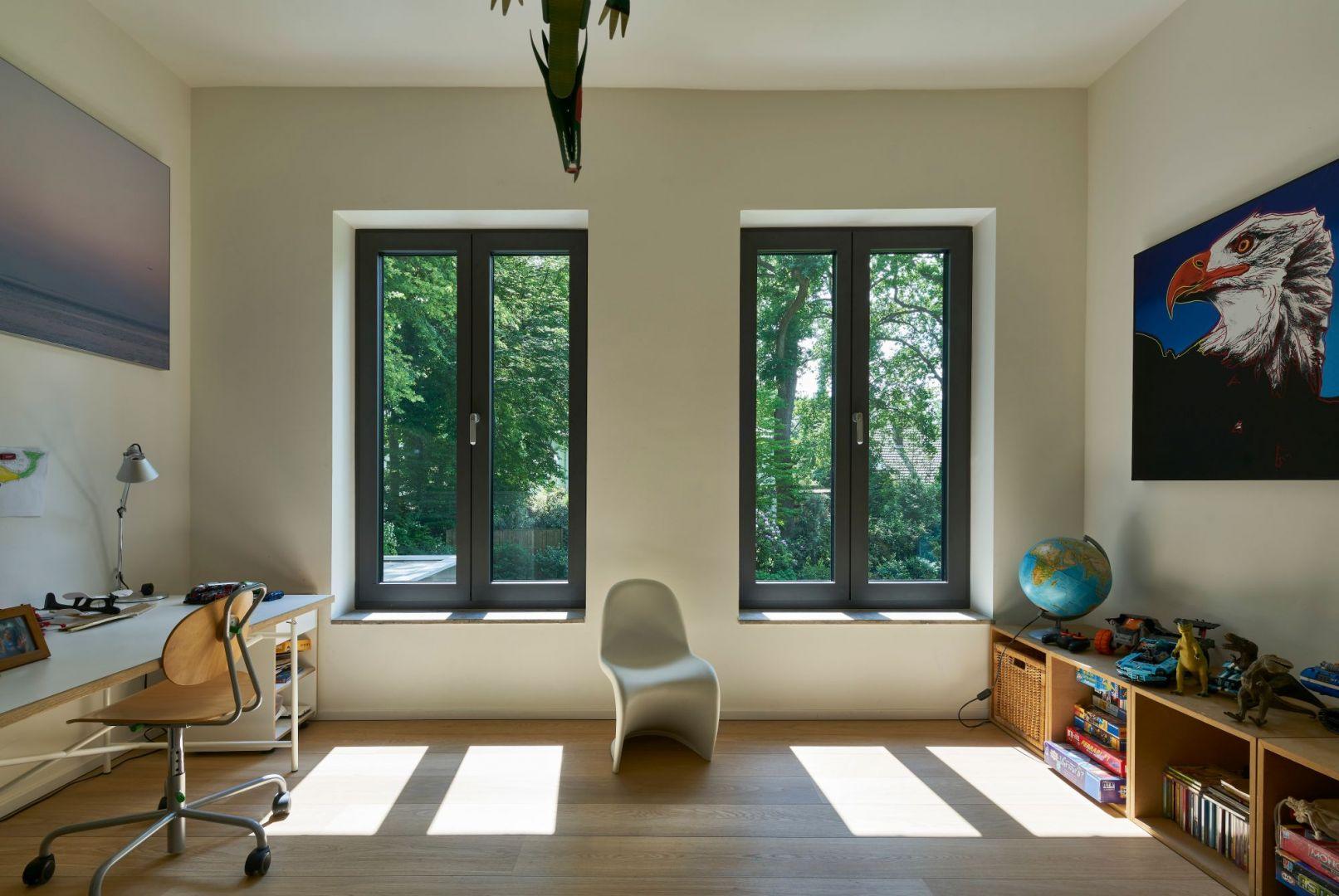 Największą popularnością wśród klientów cieszyły się okna w najciemniejszym spośród szarych kolorów - antracycie. Fot. Awilux