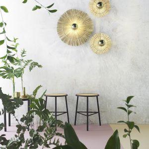 Połączenie różnych lamp i odpowiednie oświetlenie stref funkcjonalnych sprawi, że pokój dzienny będzie nie tylko przyjemny dla oka, ale też pozwoli domownikom i gościom czuć się swobodnie. Fot. 9design Ambiente