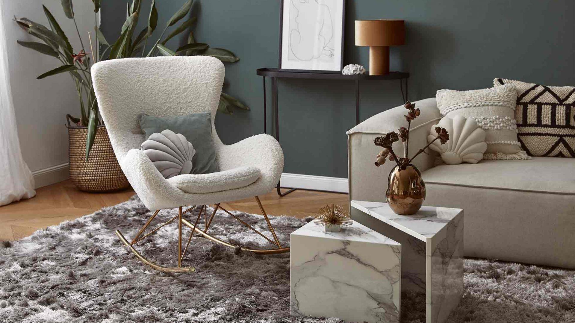 Świat tekstyliów całkowicie opanuje tkanina Teddy! Zawładnie sofami, krzesłami, fotelami. Fot Westwing.pl