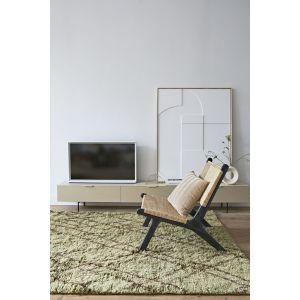 Fotel Lounge plecionka marki HKliving. Cena: ok. 1.900 zł. Fot. BM Housing
