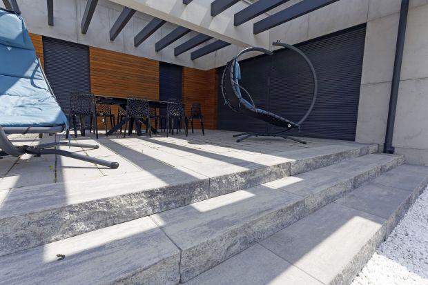 Prefabrykaty betonowe doskonale nadają się do budowynawierzchni, murków, ogrodzeń lub schodów. Są trwałe i pięknie się prezentują.<br /><br />